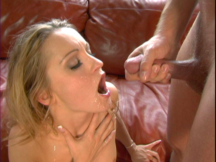 Pretty Blonde gets a huge viscid facial